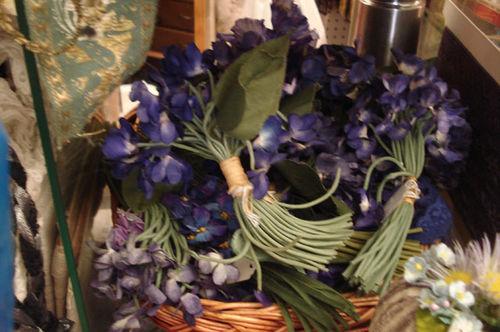 Portobello road_millinery violets