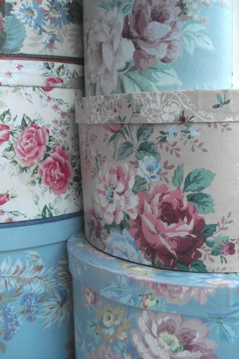 Vintage hatboxes_stack_2