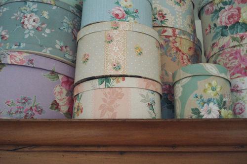 Vintage hatboxes_armoire_3