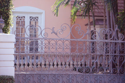 Florida_pink houses