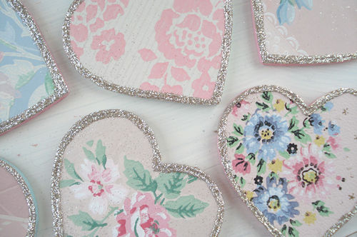 Vintage wallpaper hearts_blog_2