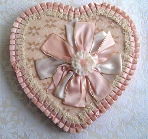 Vintage valentine boxes_10
