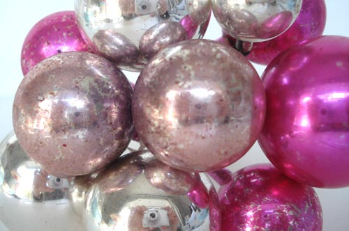 Corsage balls_silver pink-large