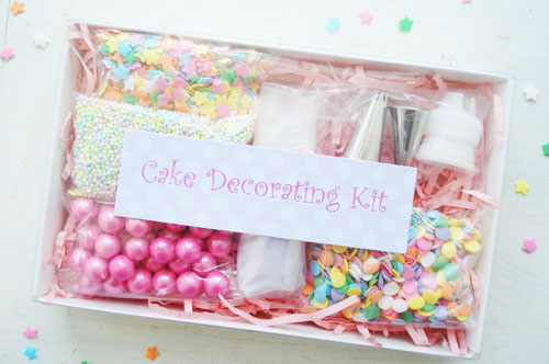 Such Pretty Things Cake Decorating Kit Favors