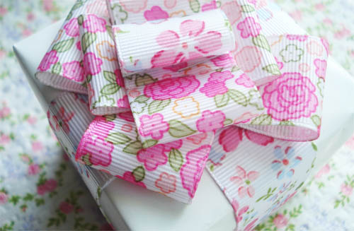 Mother's day floral gift wrap_1