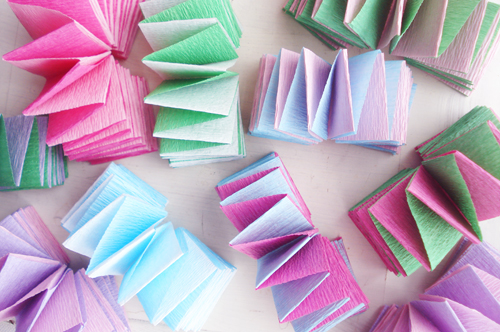 Box folded streamers_1