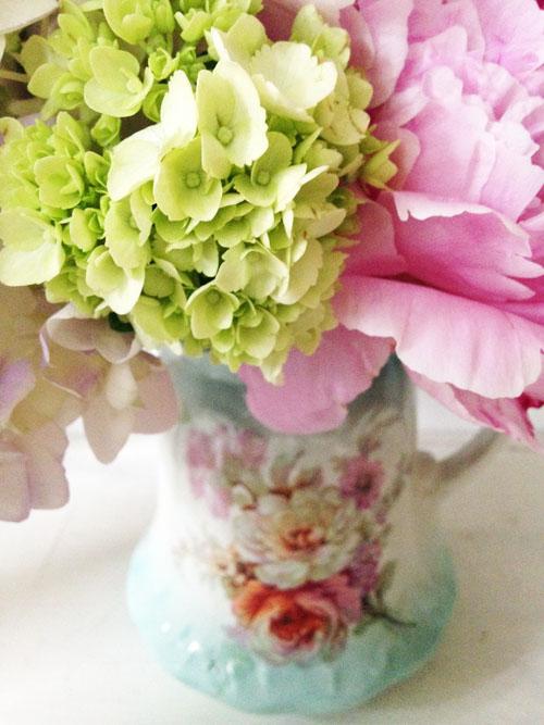 Such pretty things vintage vases summer flowers and instagram vintage vasesblog3 mightylinksfo