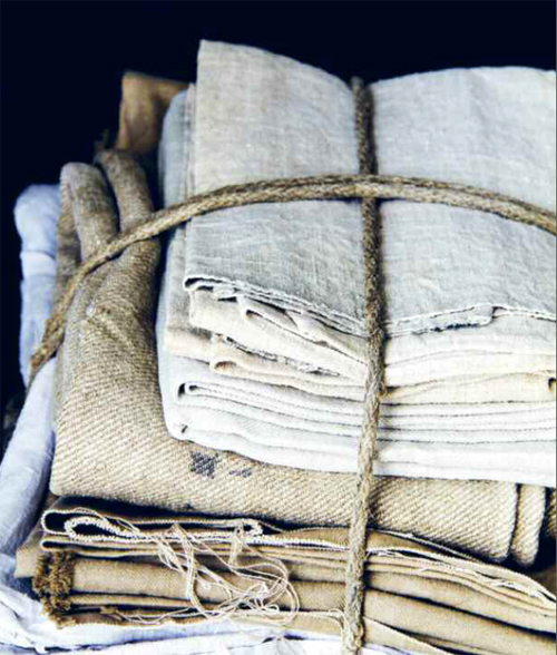 In detail_linens